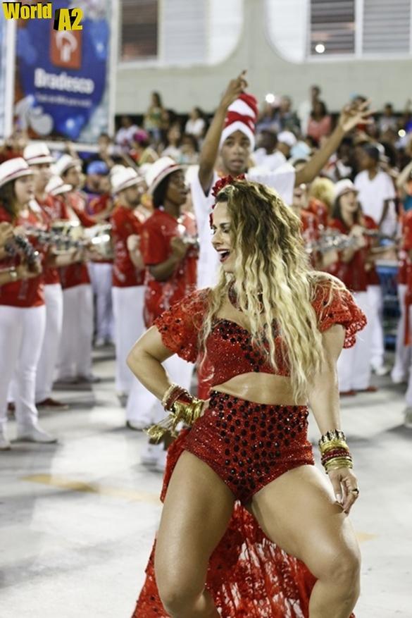 Viviane Araújo no Carnaval de 2016 14